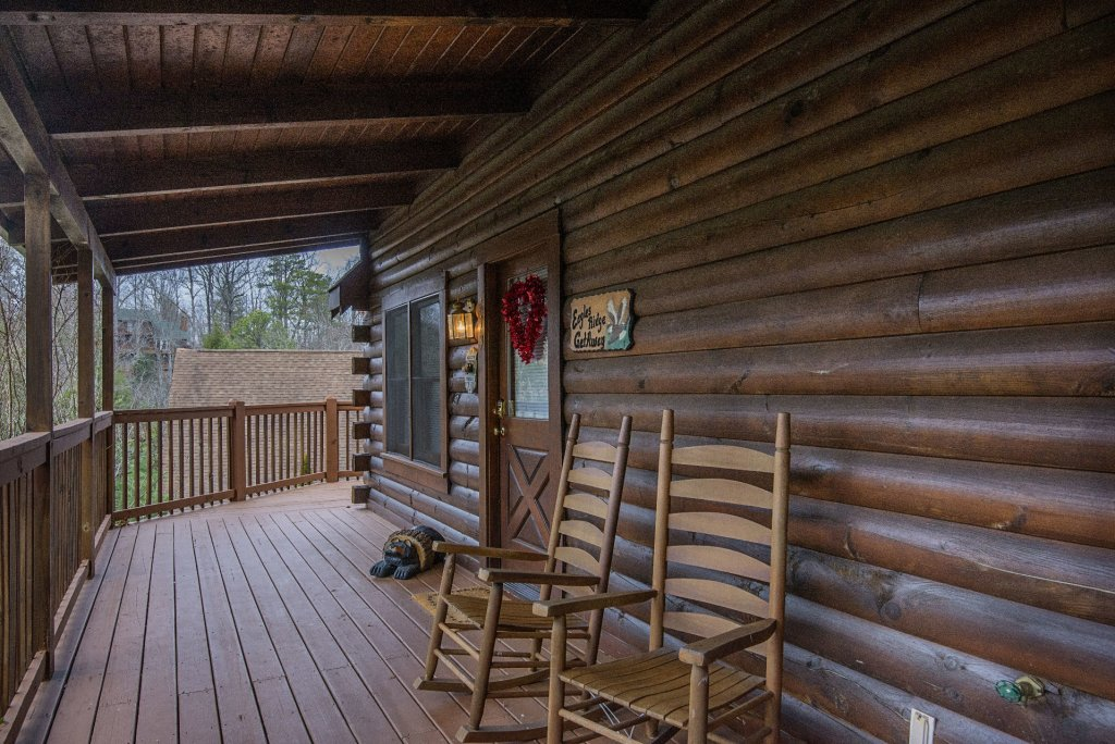 Photo of a Pigeon Forge Cabin named  The Getaway - This is the twenty-eighth photo in the set.