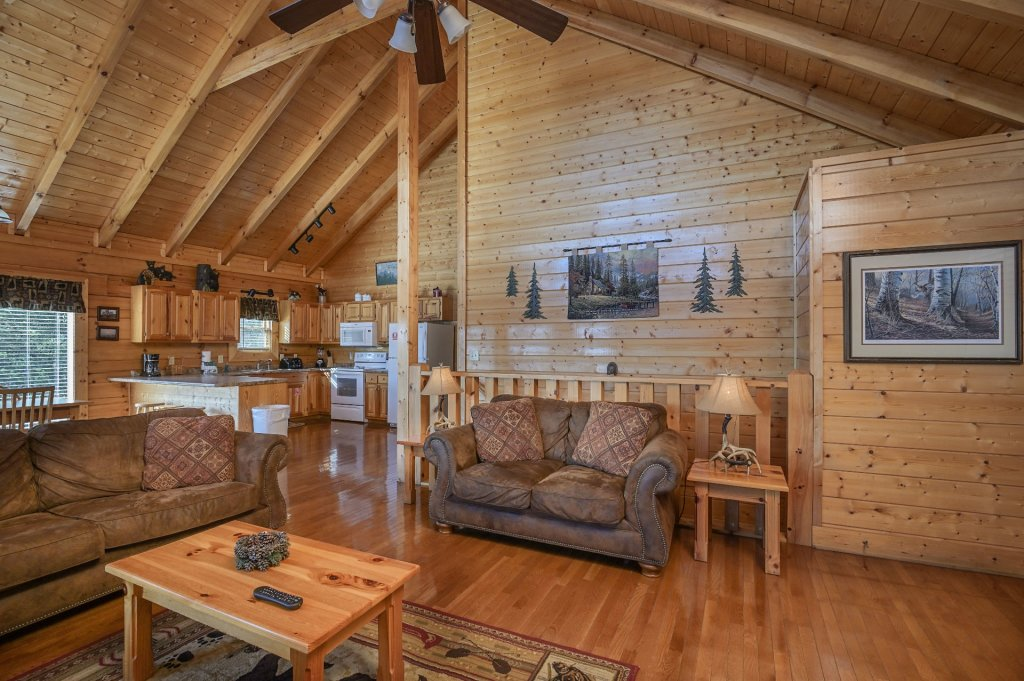 Photo of a Sevierville Cabin named Hillside Retreat - This is the fourth photo in the set.