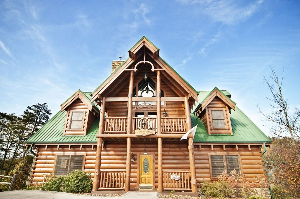 Photo of a Sevierville Cabin named  Wagon Wheel Lodge - This is the first photo in the set.
