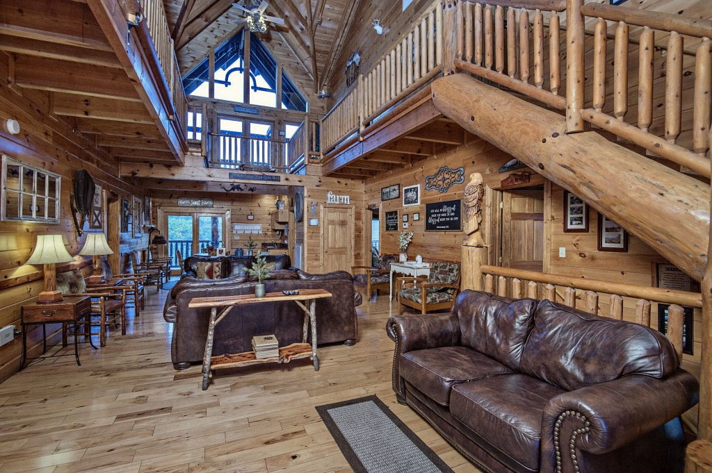 Photo of a Sevierville Cabin named  Wagon Wheel Lodge - This is the third photo in the set.