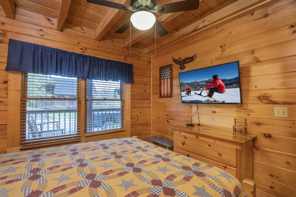 Photo of a Pigeon Forge Cabin named  Heavenly Hideaway - This is the twenty-ninth photo in the set.