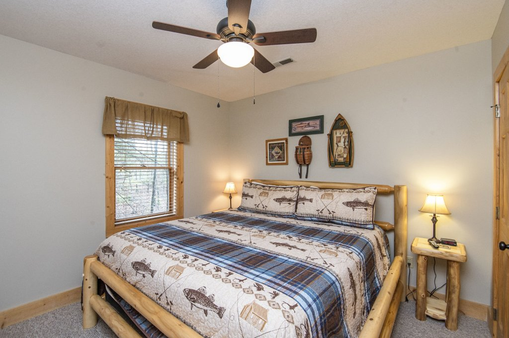 Photo of a Pigeon Forge Cabin named  Heavenly Hideaway - This is the thirty-second photo in the set.
