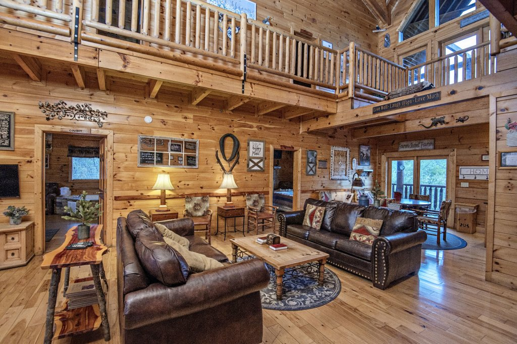 Photo of a Sevierville Cabin named  Wagon Wheel Lodge - This is the fifth photo in the set.