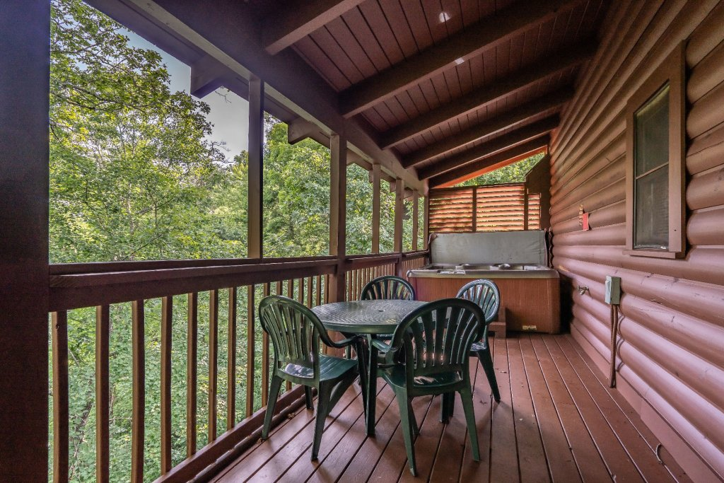 Photo of a Pigeon Forge Cabin named  Heavenly Hideaway - This is the twentieth photo in the set.