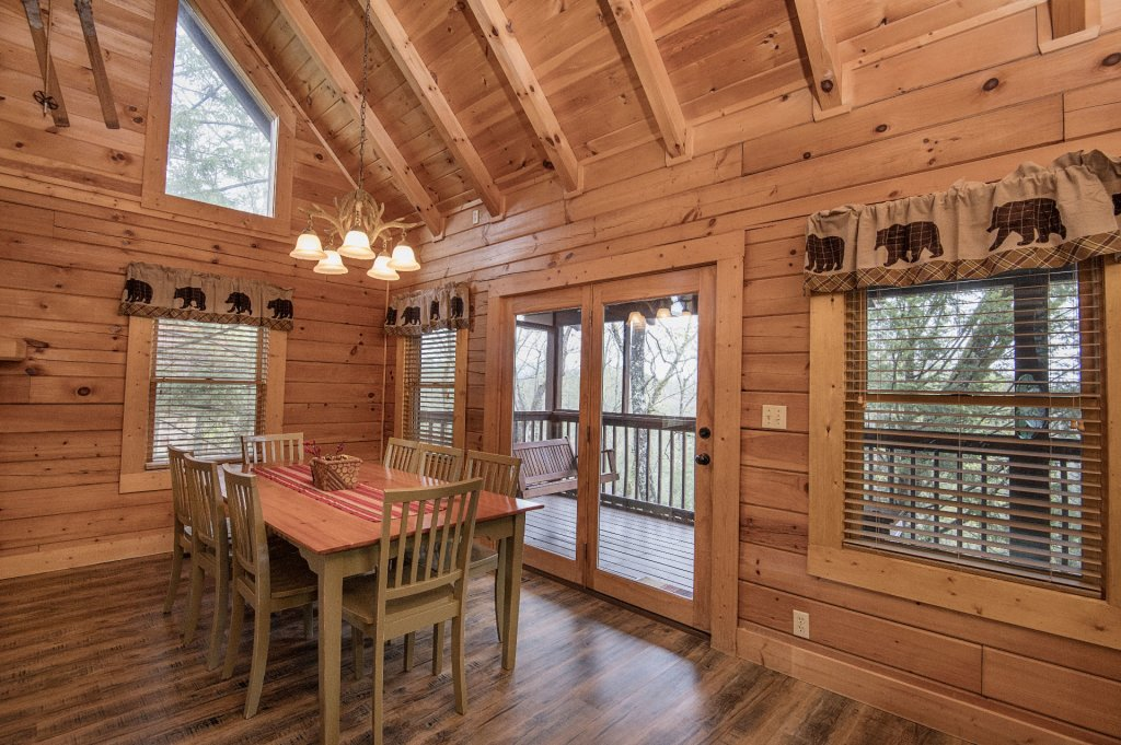 Photo of a Pigeon Forge Cabin named  Heavenly Hideaway - This is the eighth photo in the set.