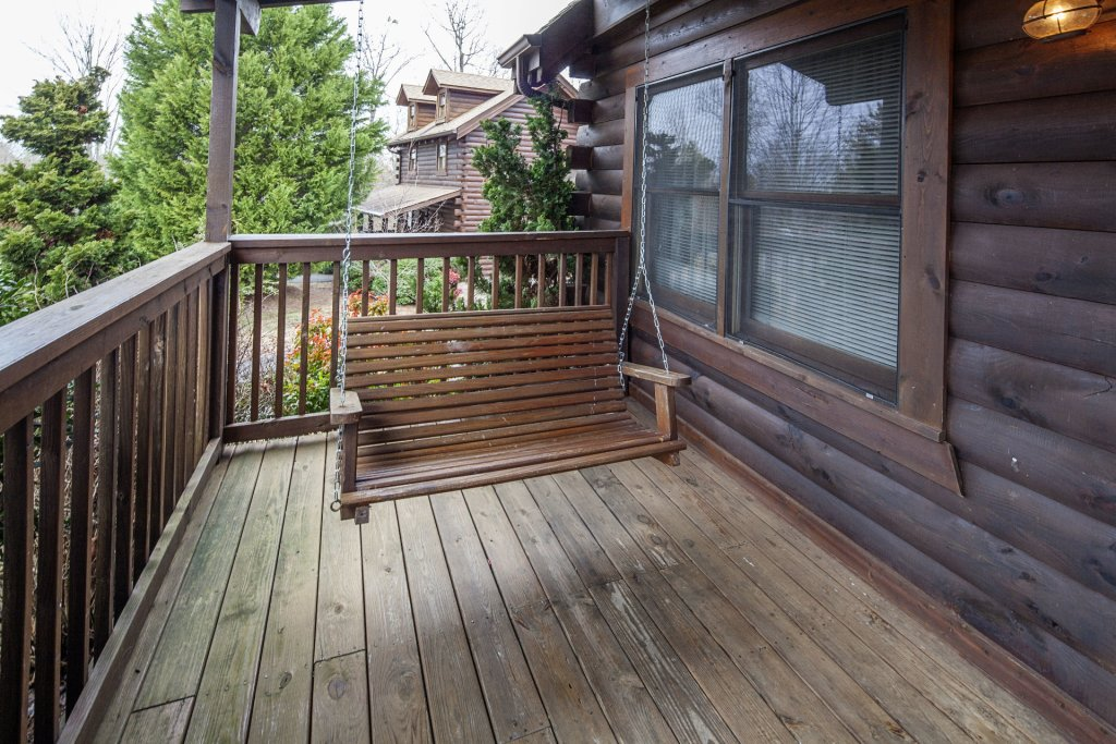 Photo of a Pigeon Forge Cabin named  Heavenly View - This is the thirty-second photo in the set.