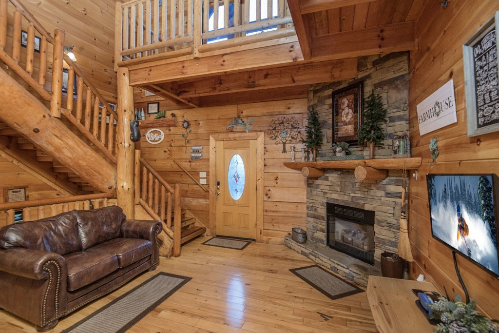 Photo of a Sevierville Cabin named  Wagon Wheel Lodge - This is the ninth photo in the set.