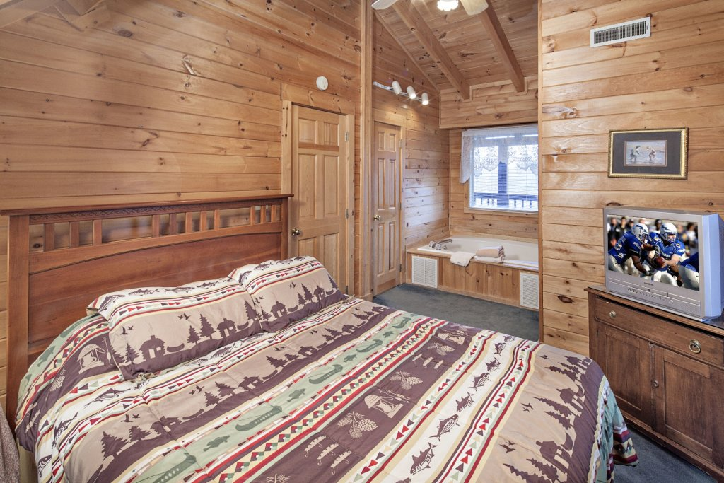 Photo of a Pigeon Forge Cabin named  Heavenly View - This is the twenty-fifth photo in the set.