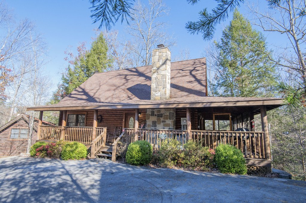 Photo of a Pigeon Forge Cabin named  Virginia's Villa - This is the first photo in the set.