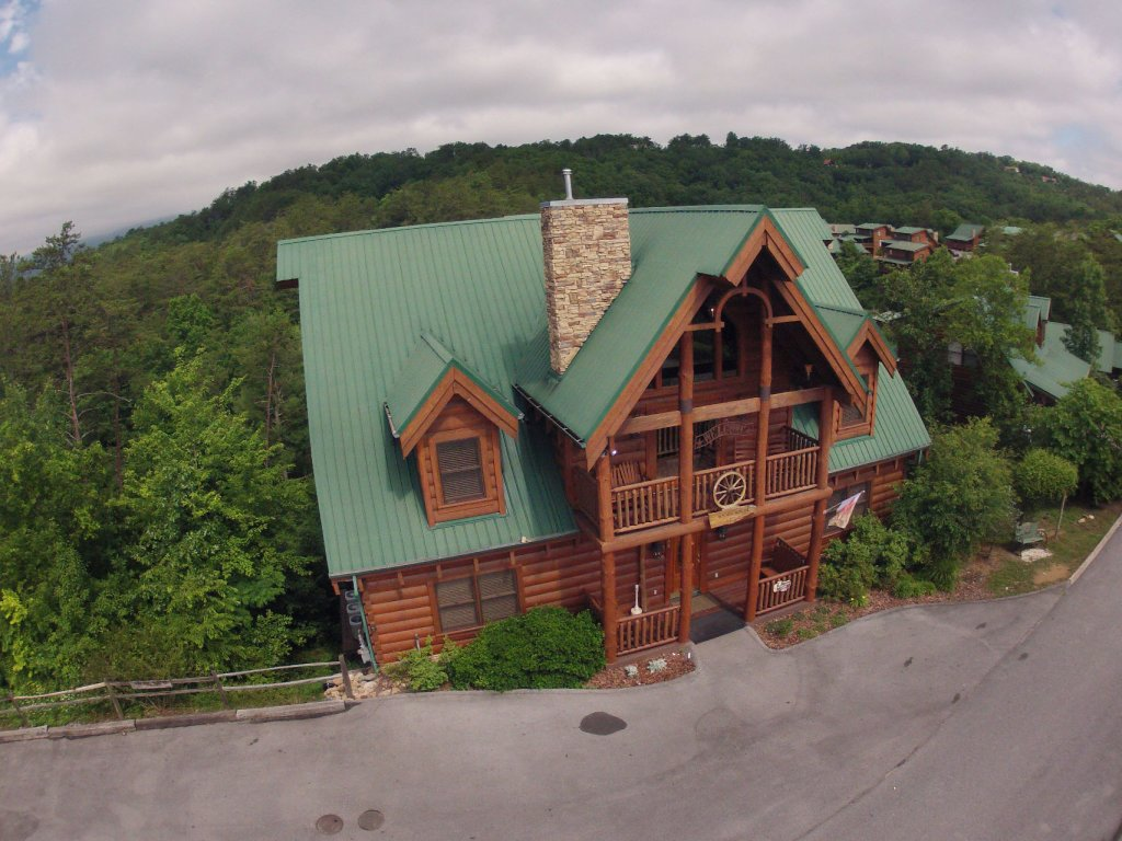 Photo of a Sevierville Cabin named  Wagon Wheel Lodge - This is the twelfth photo in the set.