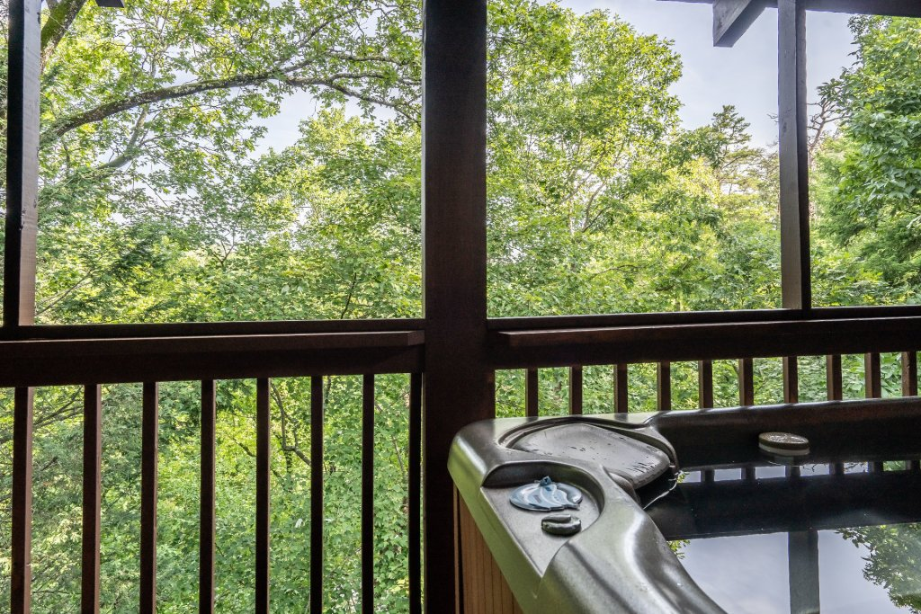 Photo of a Pigeon Forge Cabin named  Heavenly Hideaway - This is the twenty-second photo in the set.