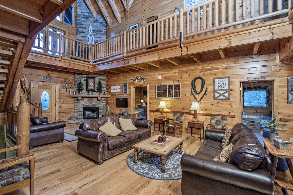 Photo of a Sevierville Cabin named  Wagon Wheel Lodge - This is the sixth photo in the set.