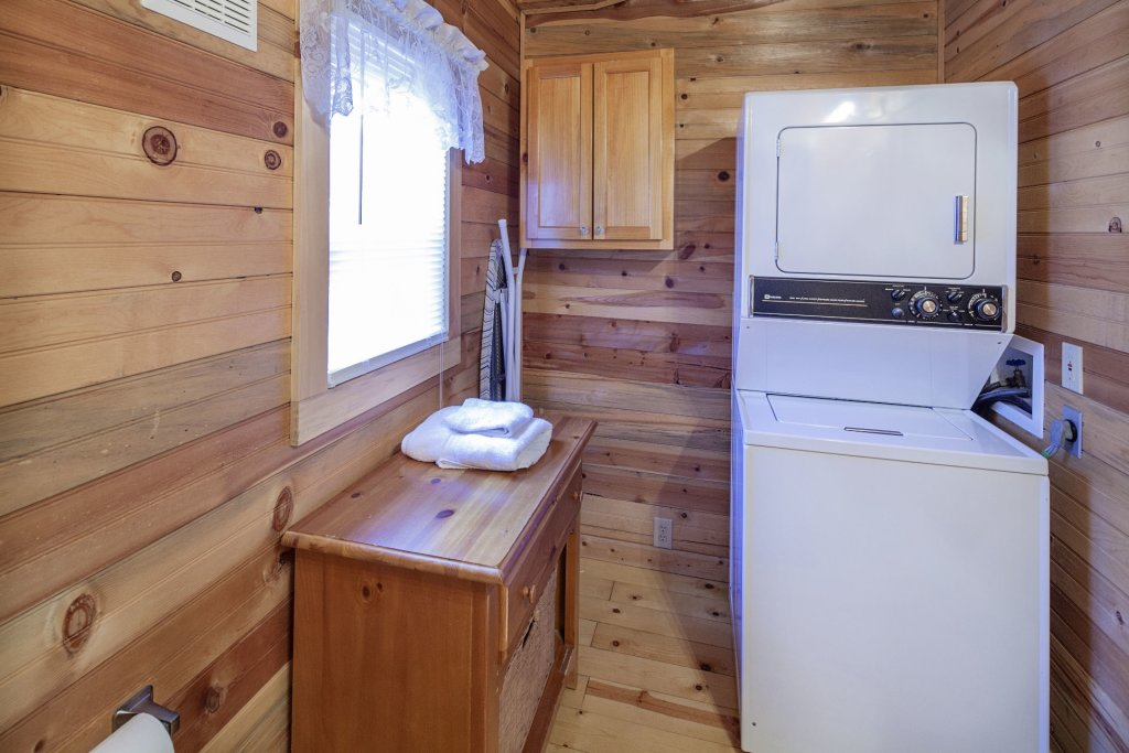 Photo of a Pigeon Forge Condo named  Jalyn's Treehouse - This is the twenty-second photo in the set.