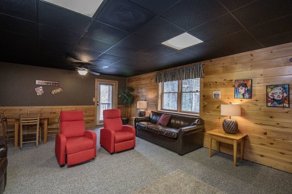 Photo of a Pigeon Forge Cabin named  Heavenly Hideaway - This is the nineteenth photo in the set.