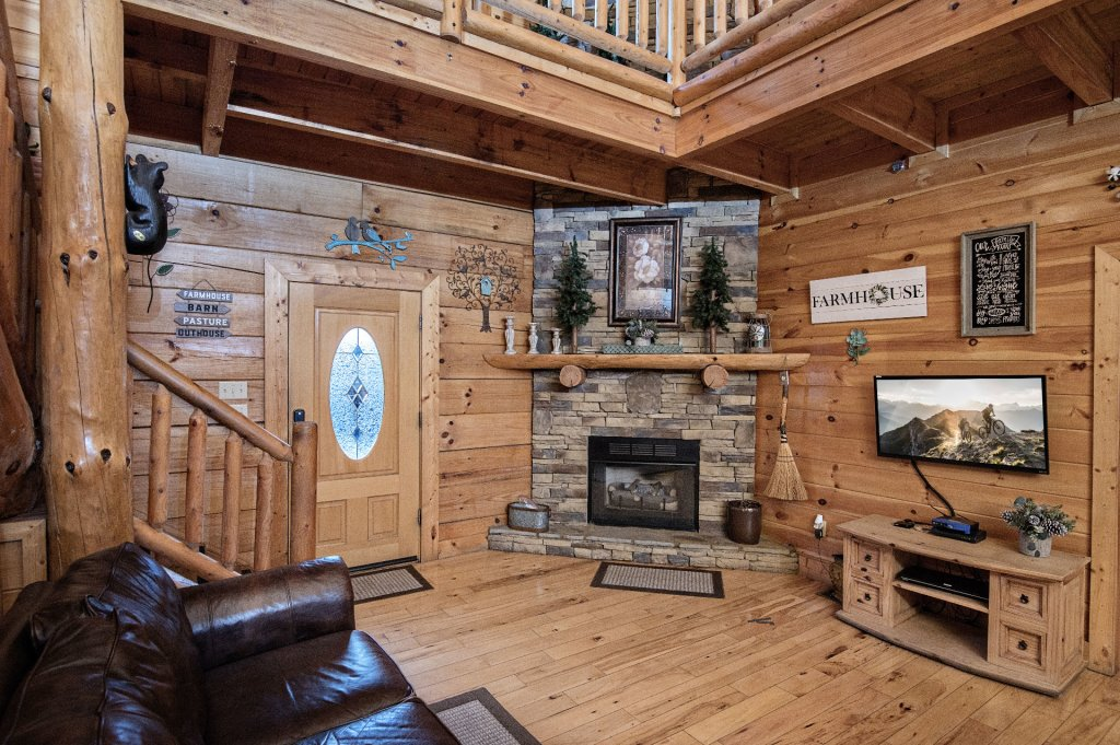 Photo of a Sevierville Cabin named  Wagon Wheel Lodge - This is the eleventh photo in the set.