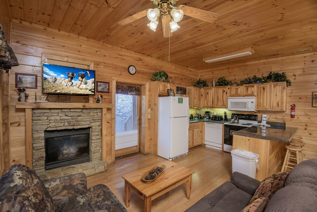 Photo of a Pigeon Forge Cabin named  Locker's Mountain Hideaway - This is the fourth photo in the set.