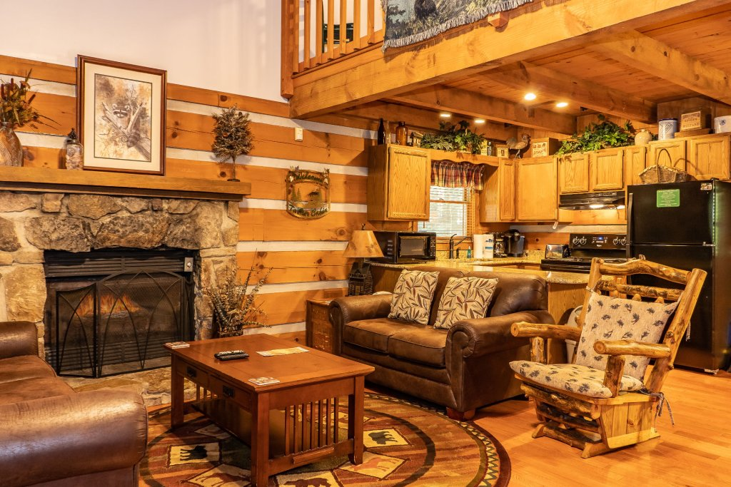 Photo of a Pigeon Forge Cabin named The Loon's Nest (formerly C.o.24) - This is the fourth photo in the set.