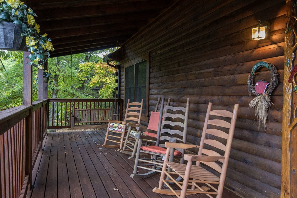 Photo of a Pigeon Forge Cabin named  Barbara's View - This is the twentieth photo in the set.