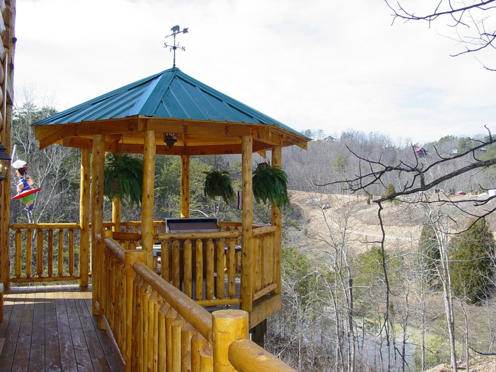 Photo of a Sevierville Cabin named  Wagon Wheel Lodge - This is the eighteenth photo in the set.