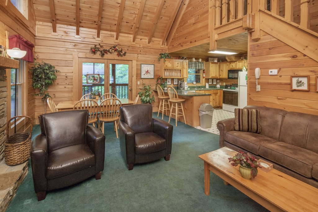 Photo of a Pigeon Forge Cabin named  Red Bird Haven - This is the fourth photo in the set.