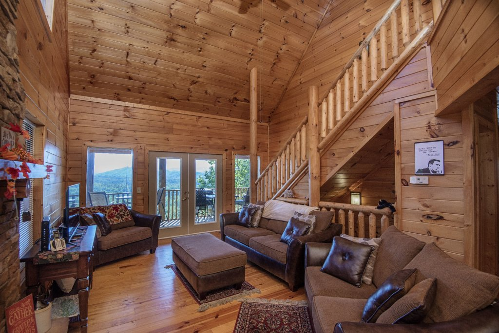Photo of a Sevierville Cabin named Dunder Mountain Views Cabin Retreat - This is the fifth photo in the set.