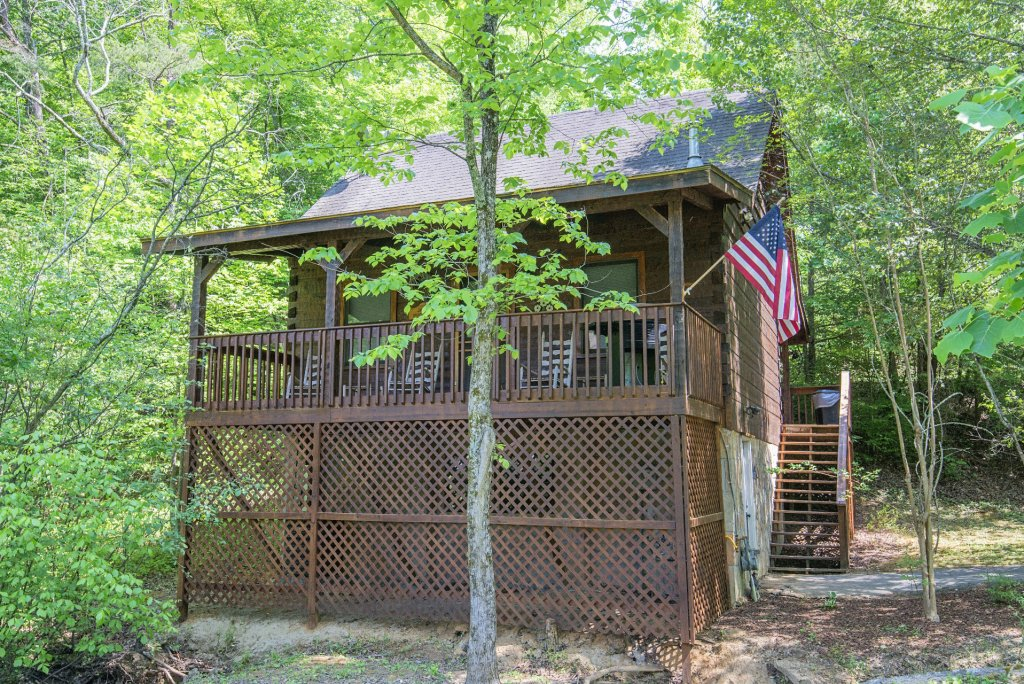 Photo of a Pigeon Forge Condo named  Jalyn's Treehouse - This is the first photo in the set.