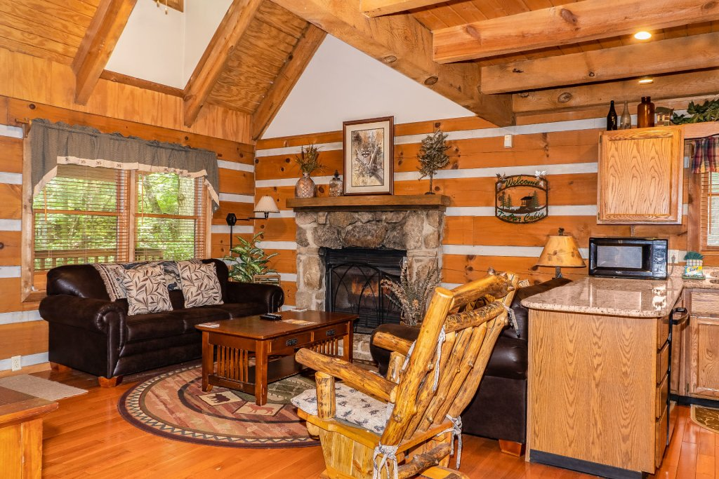 Photo of a Pigeon Forge Cabin named The Loon's Nest (formerly C.o.24) - This is the sixth photo in the set.