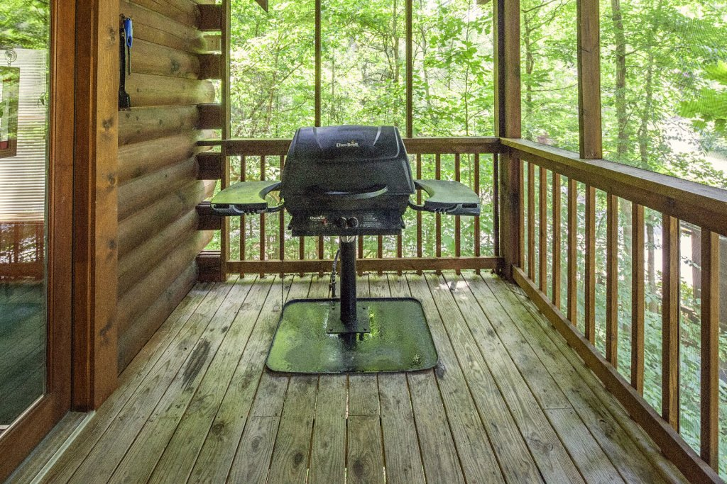 Photo of a Pigeon Forge Cabin named  Red Bird Haven - This is the twenty-first photo in the set.