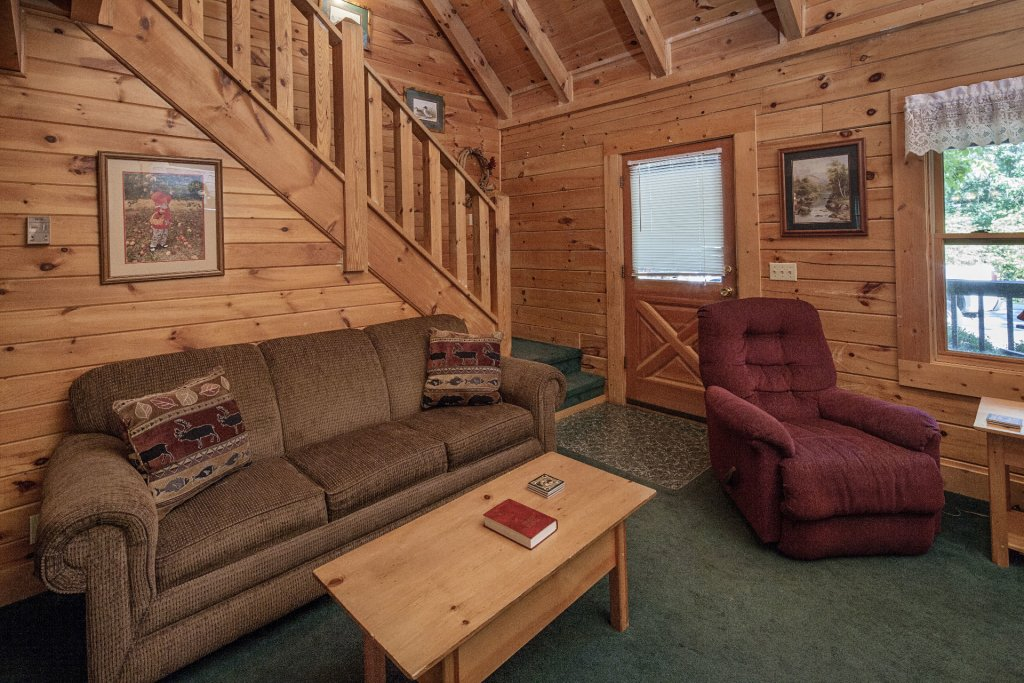 Photo of a Pigeon Forge Cabin named  Gerrald's Chalet - This is the fourth photo in the set.
