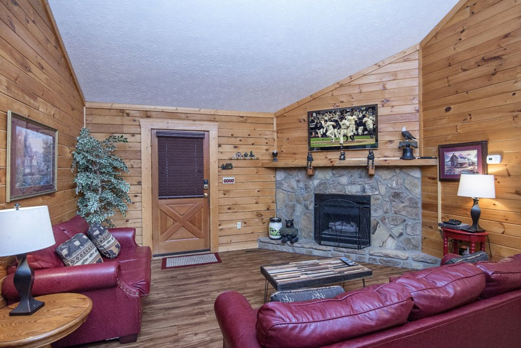 Photo of a Pigeon Forge Cabin named  Barbara's View - This is the third photo in the set.