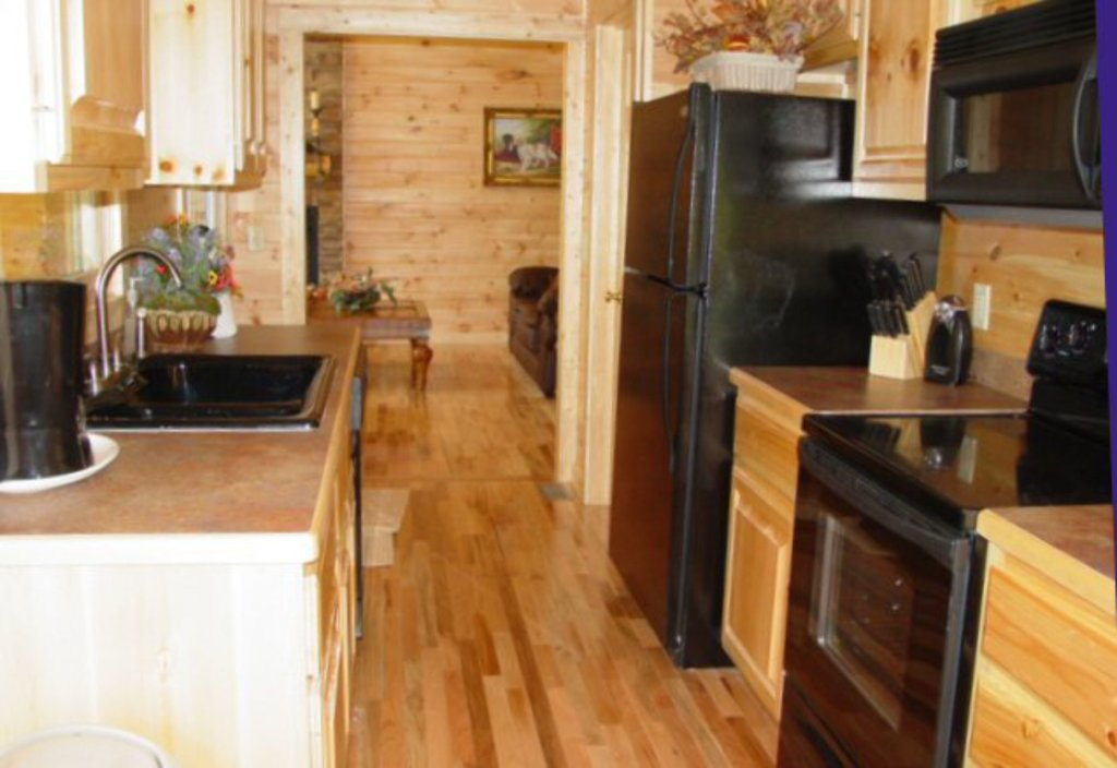 Photo of a Sevierville Cabin named Whispering Oaks - This is the sixth photo in the set.