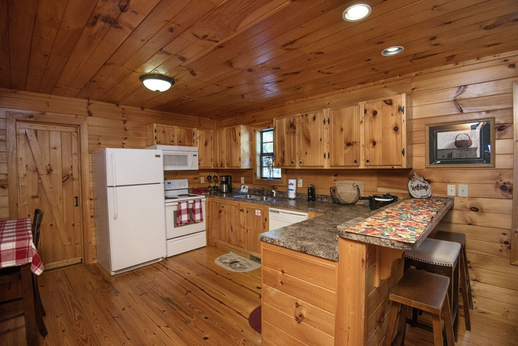 Photo of a Sevierville Cabin named Dunder Mountain Views Cabin Retreat - This is the twelfth photo in the set.