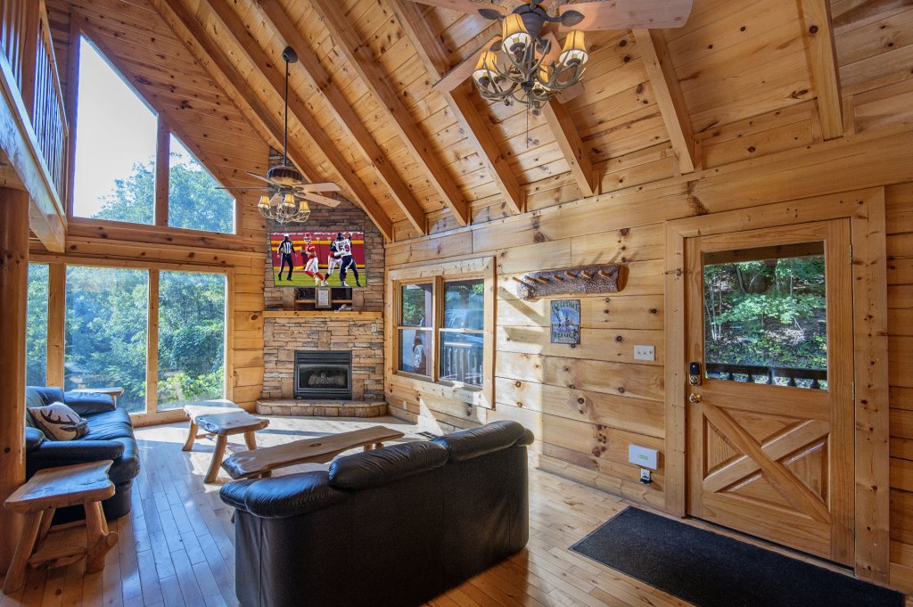 Photo of a Sevierville Cabin named The Wildlife Lodge Fka Wild Hog Inn - This is the third photo in the set.