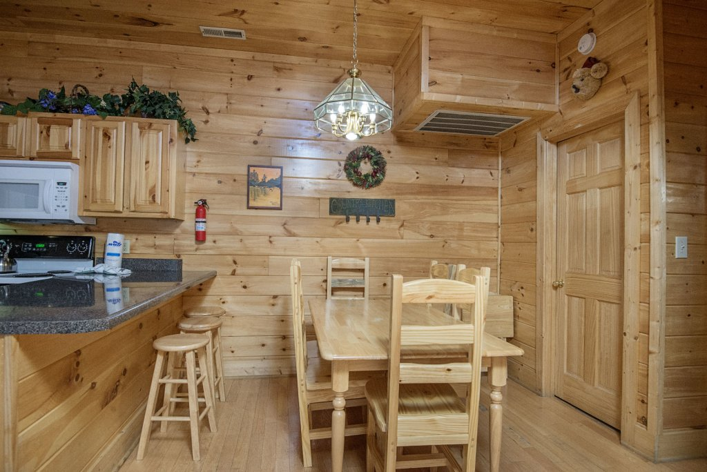 Photo of a Pigeon Forge Cabin named  Locker's Mountain Hideaway - This is the seventh photo in the set.