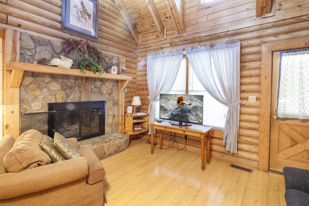 Photo of a Pigeon Forge Cabin named  Ganma's Getaway - This is the third photo in the set.