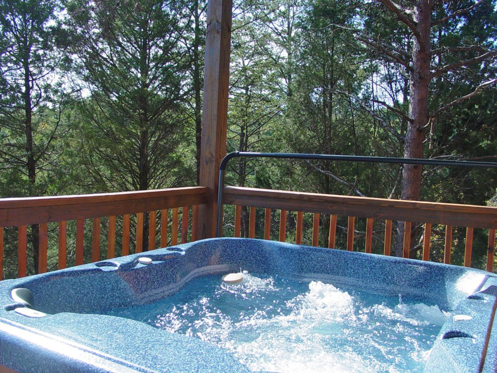 Photo of a Sevierville Cabin named  Sweet Escape - This is the twenty-eighth photo in the set.