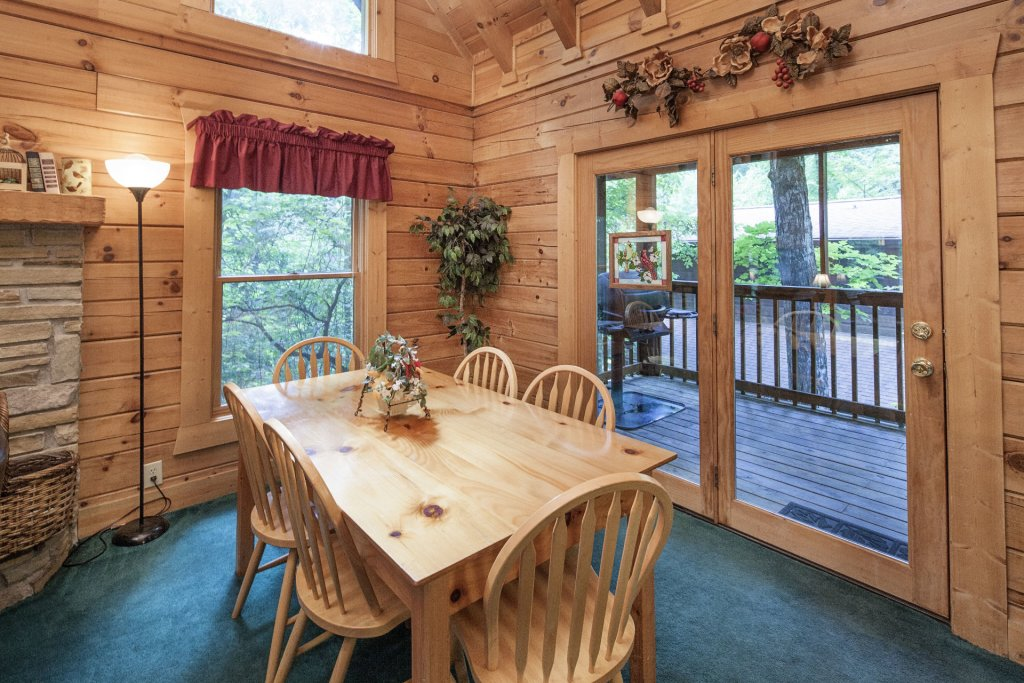 Photo of a Pigeon Forge Cabin named  Red Bird Haven - This is the seventeenth photo in the set.