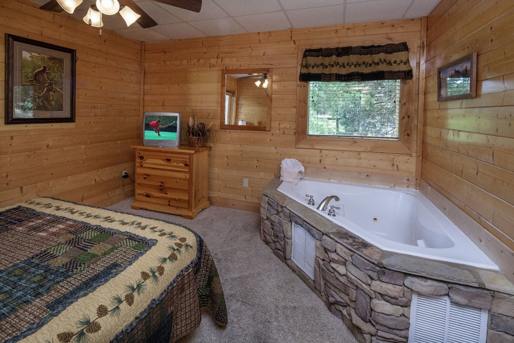 Photo of a Sevierville Cabin named  Sweet Escape - This is the eleventh photo in the set.