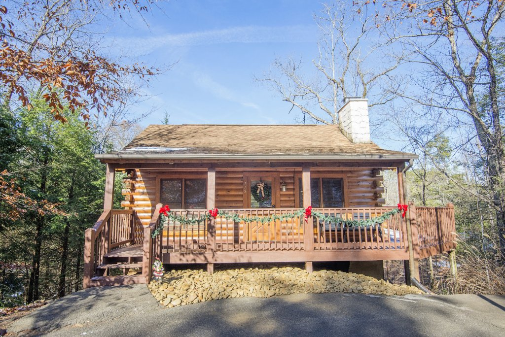 Photo of a Pigeon Forge Cabin named  Cuddlin' Up - This is the twenty-ninth photo in the set.