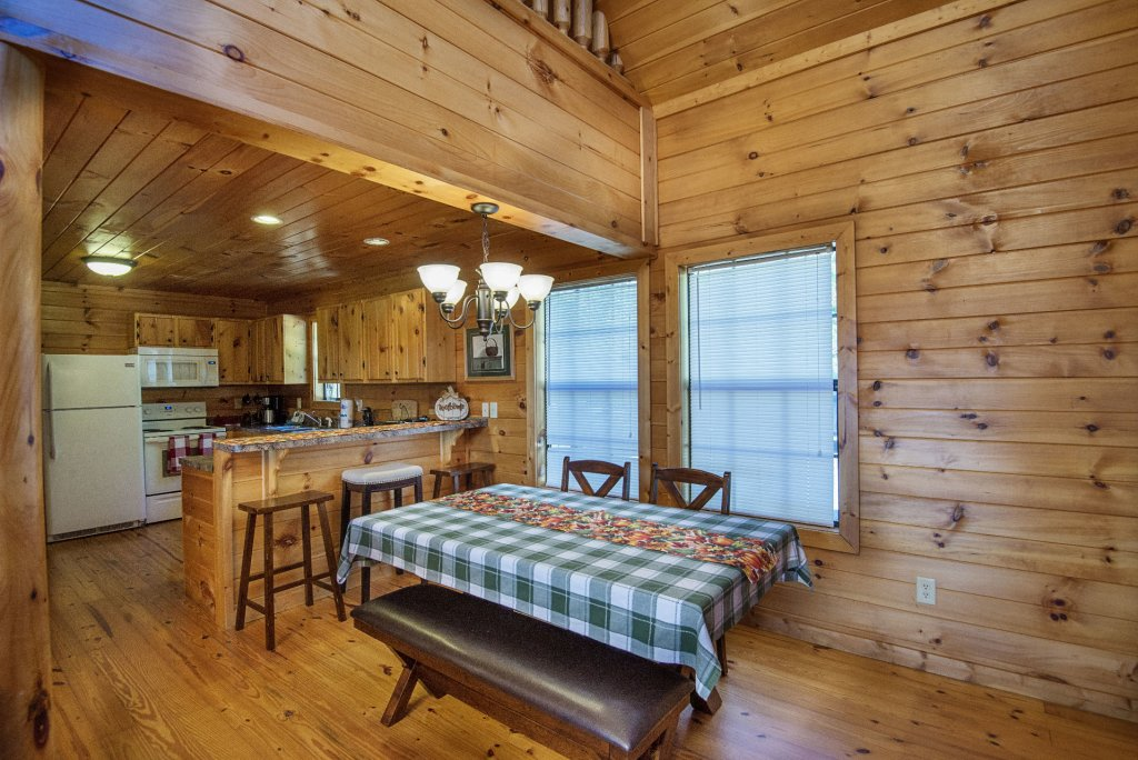 Photo of a Sevierville Cabin named Dunder Mountain Views Cabin Retreat - This is the tenth photo in the set.