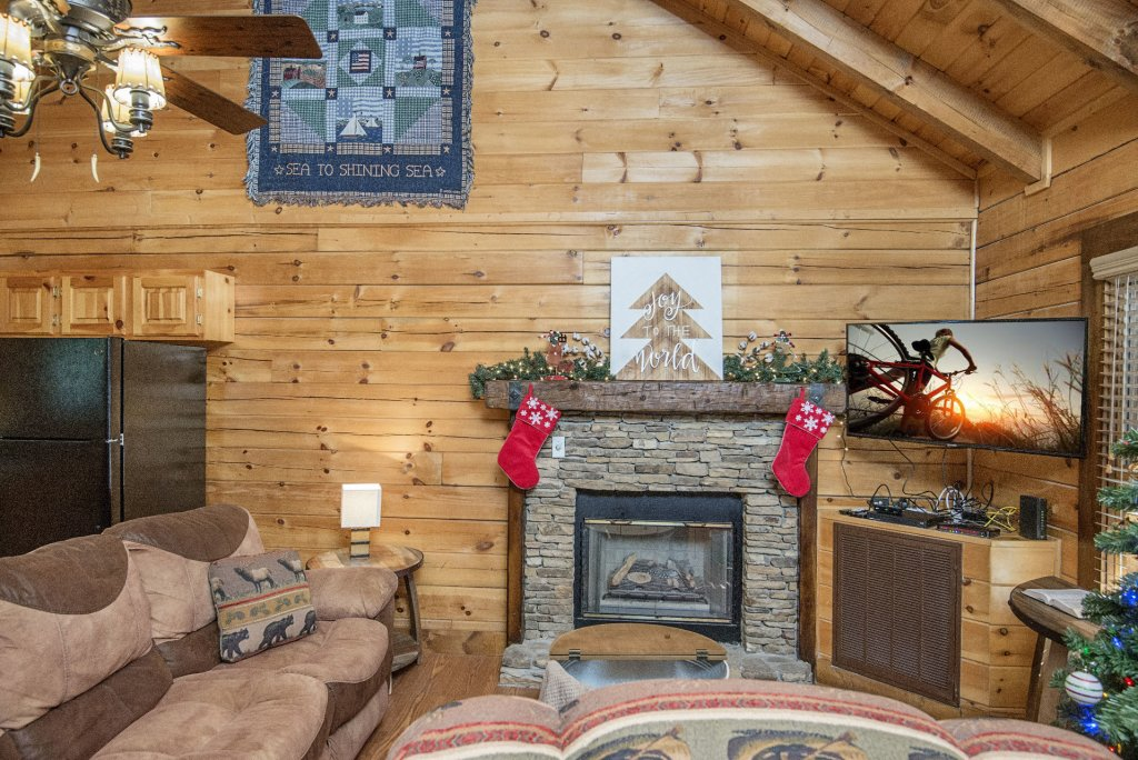 Photo of a Pigeon Forge Cabin named  Cuddlin' Up - This is the fifth photo in the set.