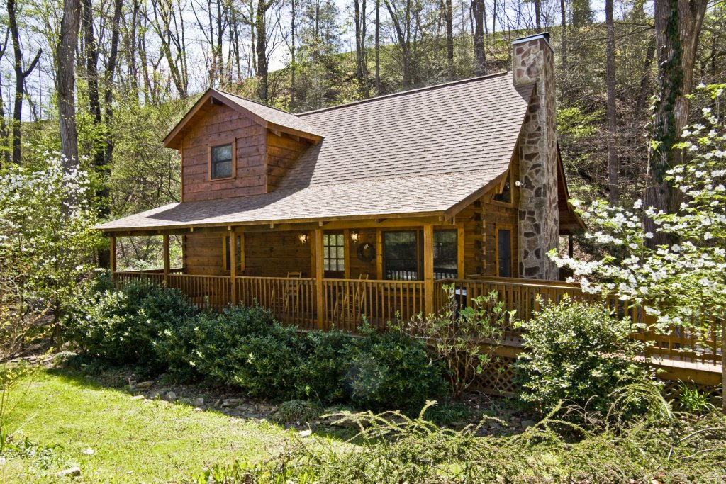 Photo of a Pigeon Forge Cabin named  Natures Grace Retreat - This is the first photo in the set.