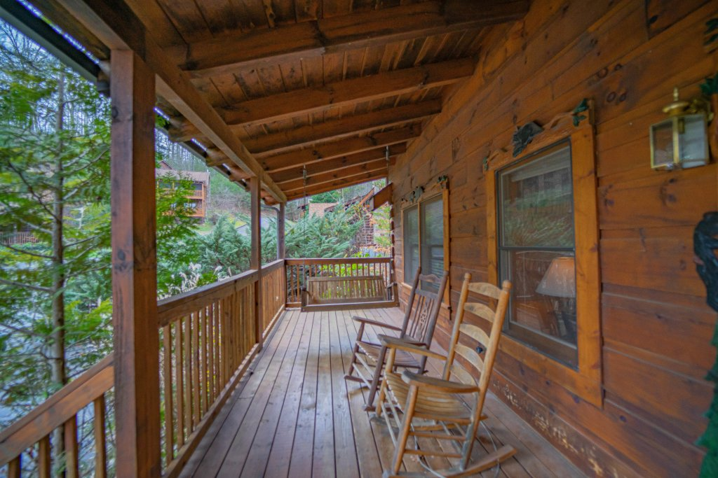 Photo of a Pigeon Forge Cabin named  Eagle's View - This is the second photo in the set.