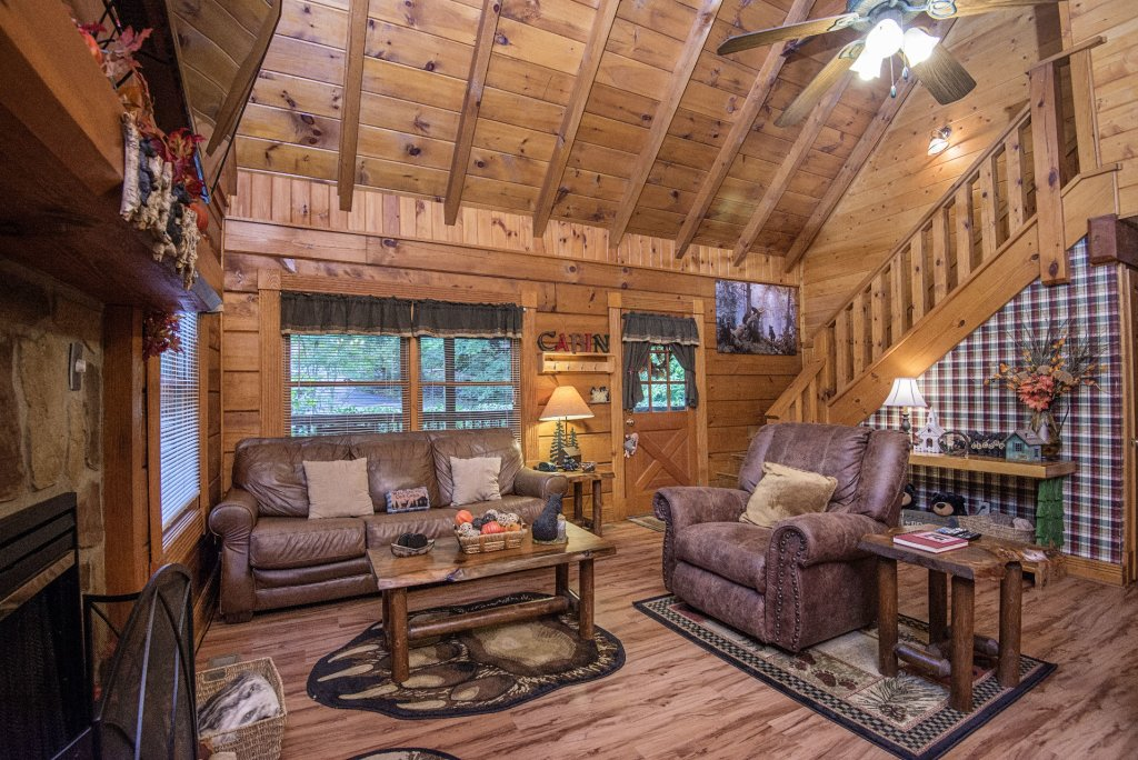 Photo of a Pigeon Forge Cabin named  Natures Grace Retreat - This is the third photo in the set.