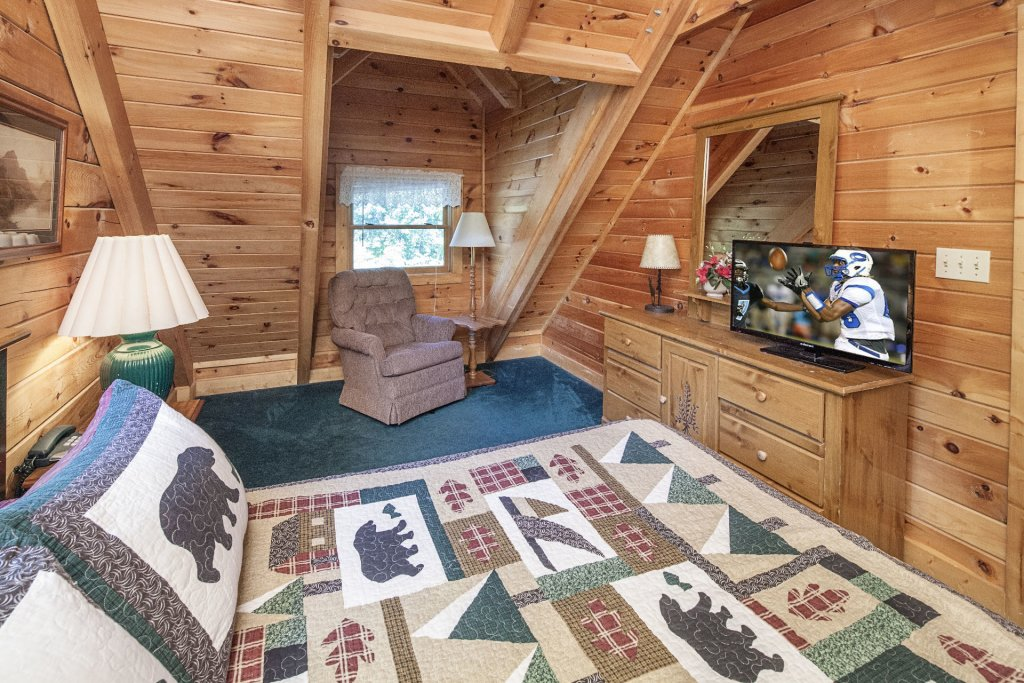 Photo of a Pigeon Forge Cabin named  Gerrald's Chalet - This is the twenty-sixth photo in the set.