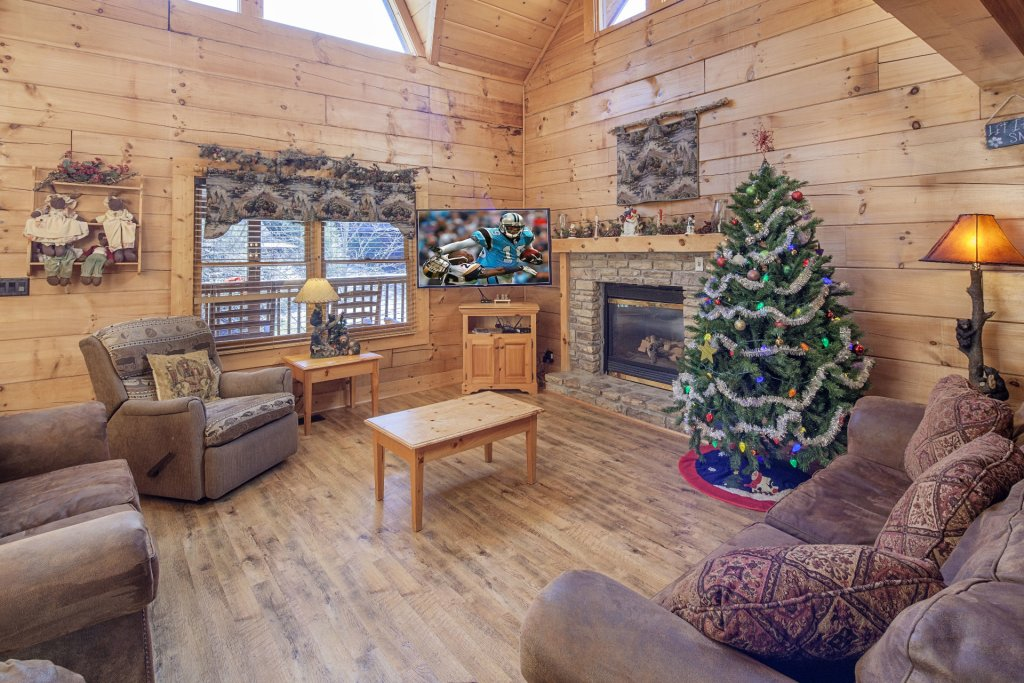 Photo of a Pigeon Forge Cabin named  Soaring Eagles - This is the third photo in the set.