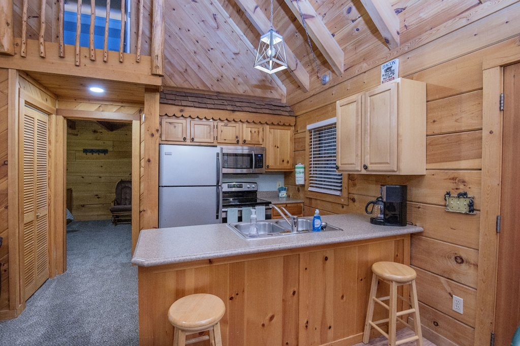 Photo of a Pigeon Forge Cabin named Er96 Squirrel's Leap - This is the fifth photo in the set.