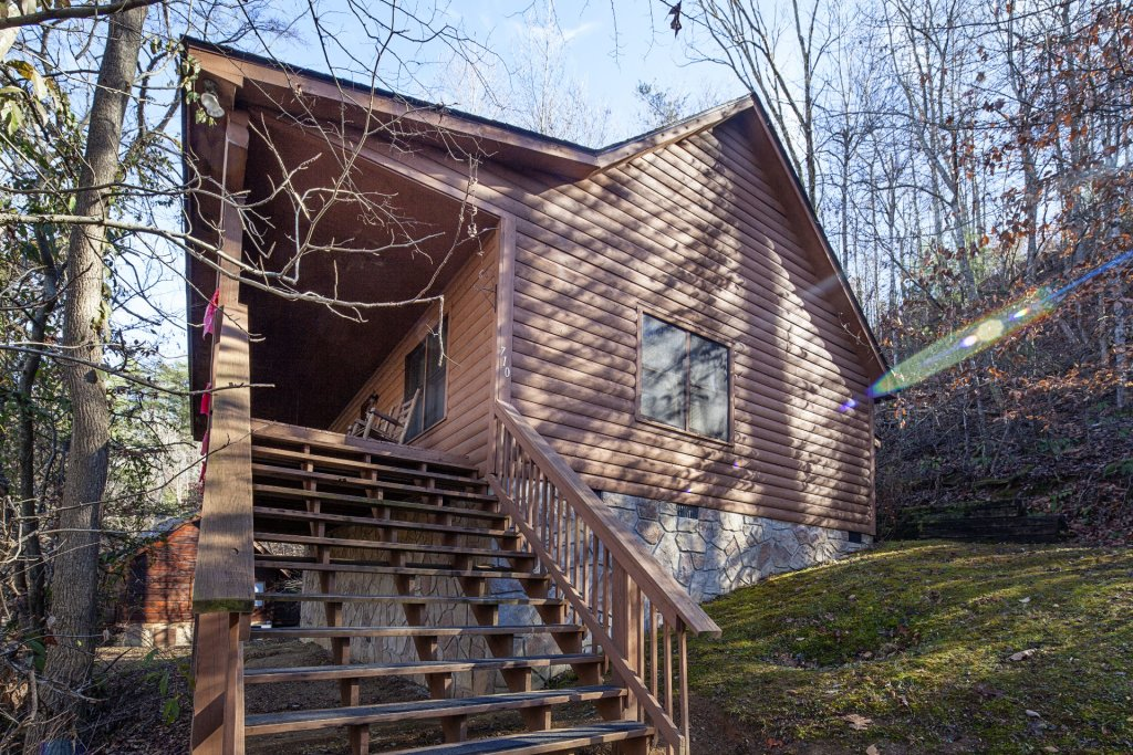 Photo of a Pigeon Forge Cabin named  Grandpa's Getaway - This is the first photo in the set.