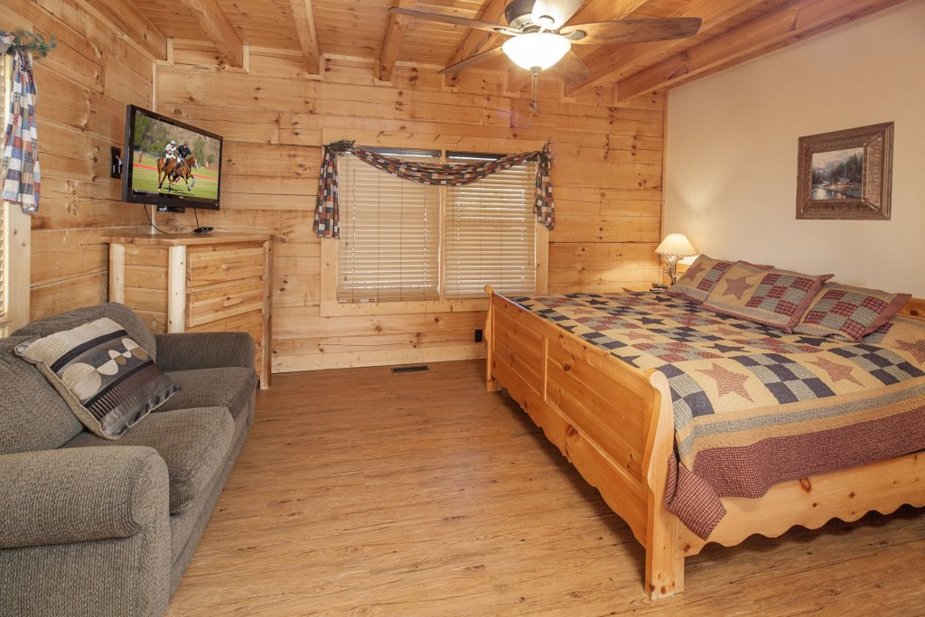 Photo of a Pigeon Forge Cabin named  Soaring Eagles - This is the eleventh photo in the set.