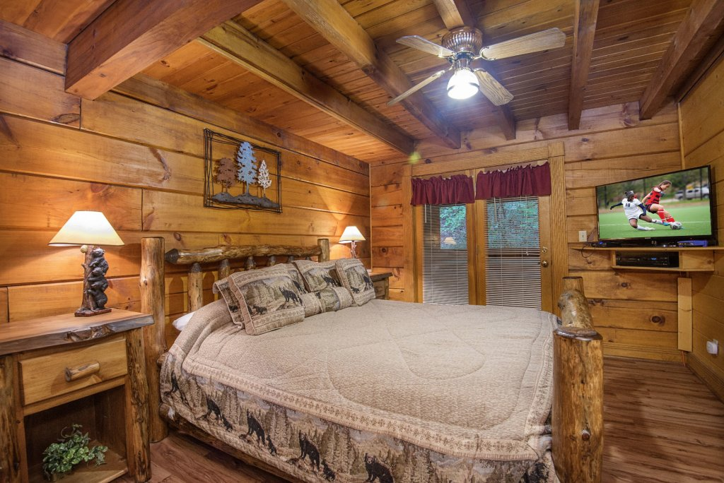 Photo of a Pigeon Forge Cabin named  Natures Grace Retreat - This is the thirteenth photo in the set.